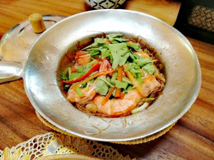 Crevettes cuites aux vermicelles.
