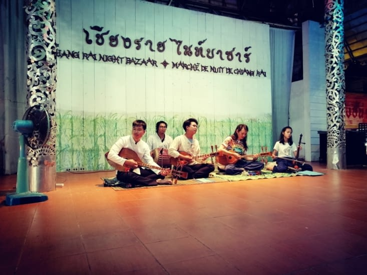 Petit concert thaï.