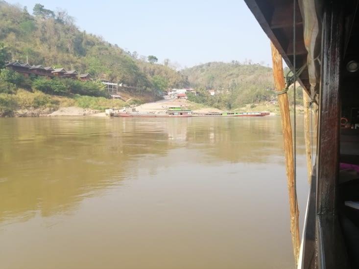 L'arrivée sur Pakbeng, village étape.