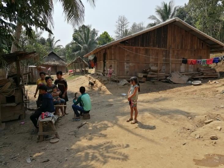 Visite d'un village Hmong.