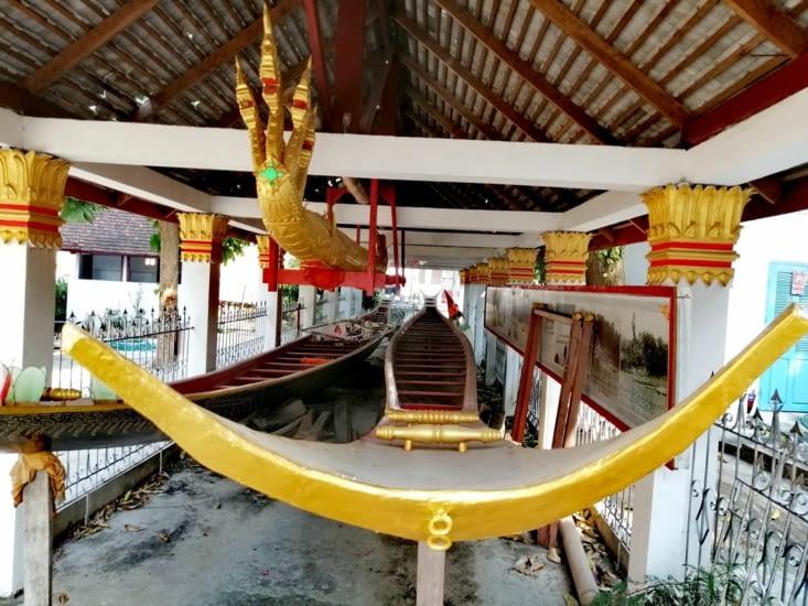 Barques de cérémonie pour la grande course sur la Nam Khan.