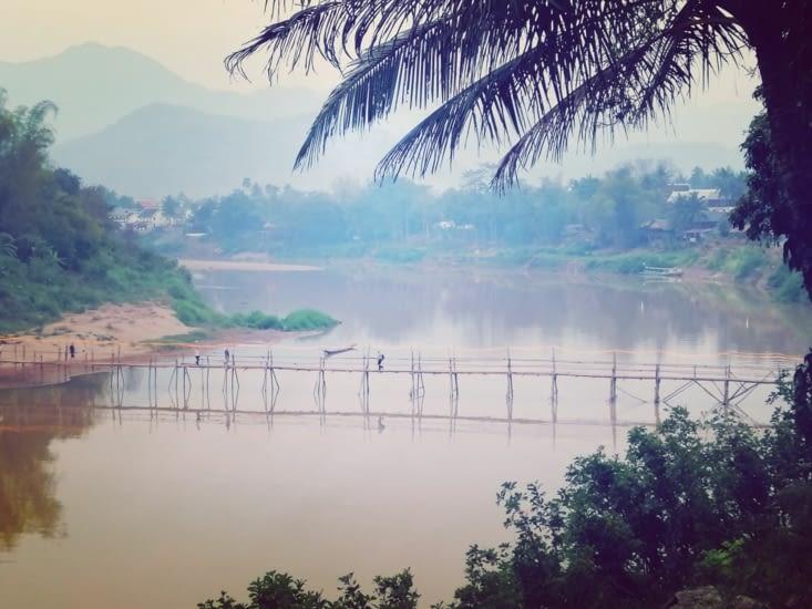 Le pont de la rivière Nam.