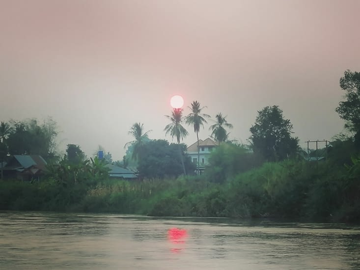 Soleil rouge.