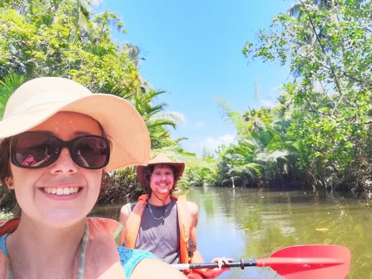 L'entrée dans la mangrove.