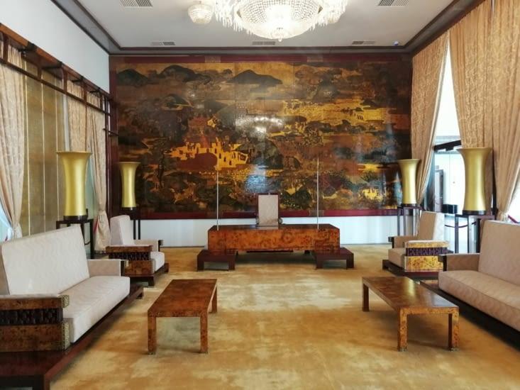 Le salon des embassadeurs.