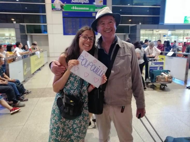 On retrouve le papa d'Alexiane à l'aéroport