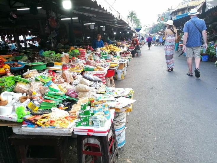 Le marché du soir.