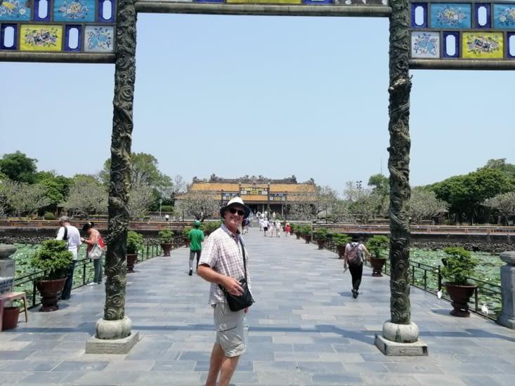 Entrée dans la citadelle de Hué