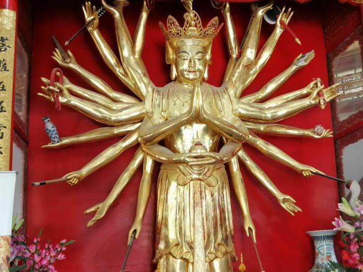 Bouddha tout faire.