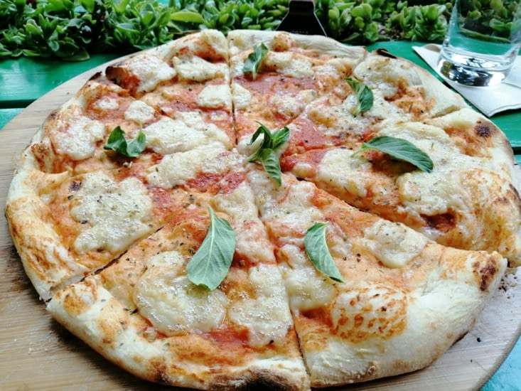 Pizza vegan au hungry Bouddha.