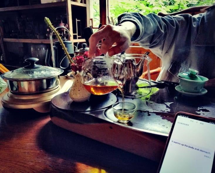 La dégustation du thé.
