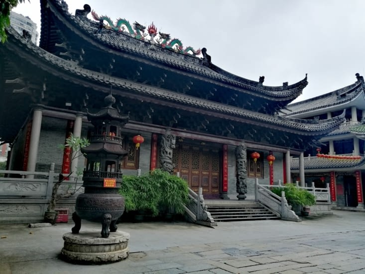 Temple Hua Lin