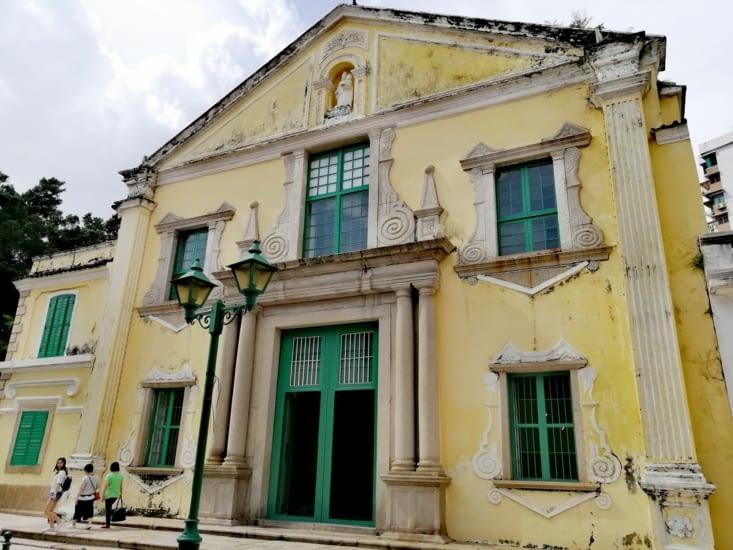 L'église San Agostinho.