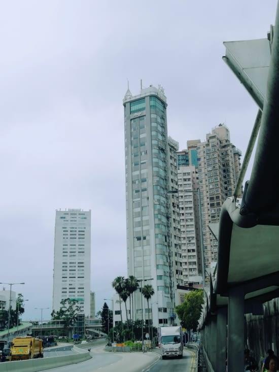 Notre hôtel et ses 27 étages.