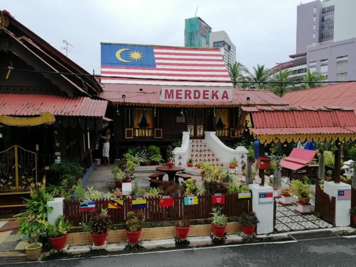 Merdeka, la liberté en malais.