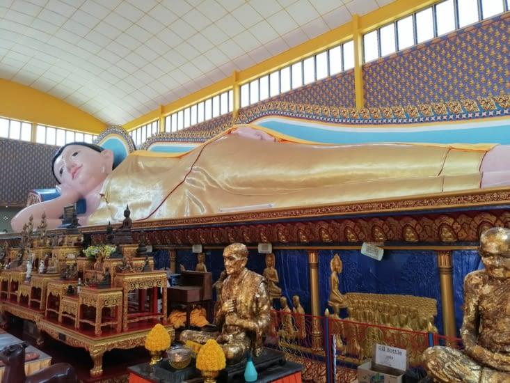 Le Bouddha couché du Wat Chayamang Kalaram.