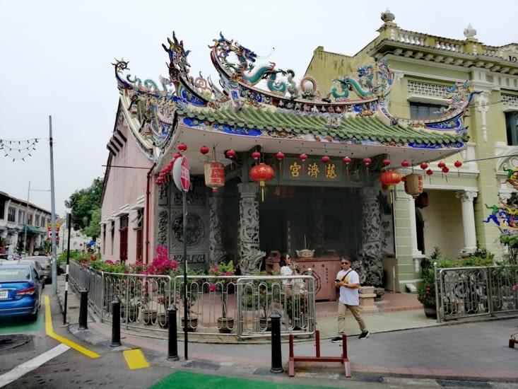 Le Yap temple.