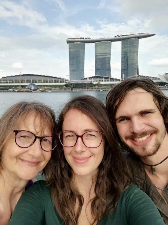Dernier selfie tous les trois avant l'avion 💕