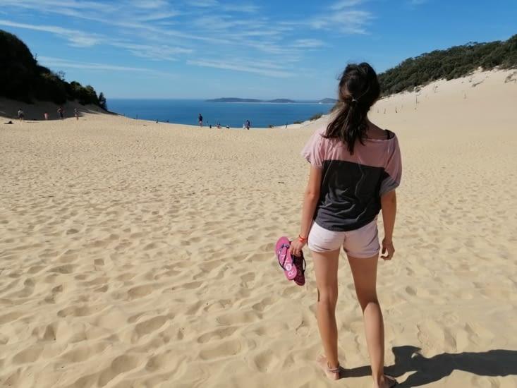 Au sommet de la dune de Rainbow Beach.