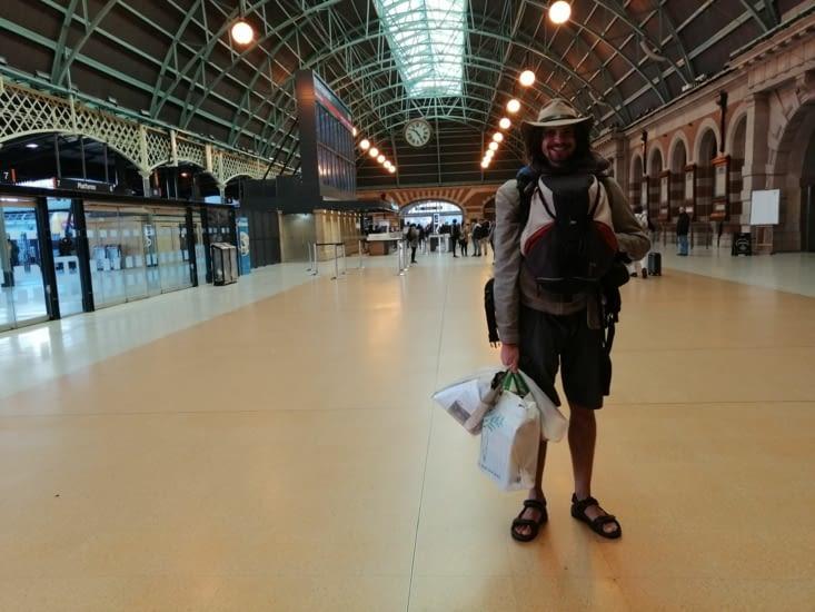 Arrivés à la gare centrale de Sydney