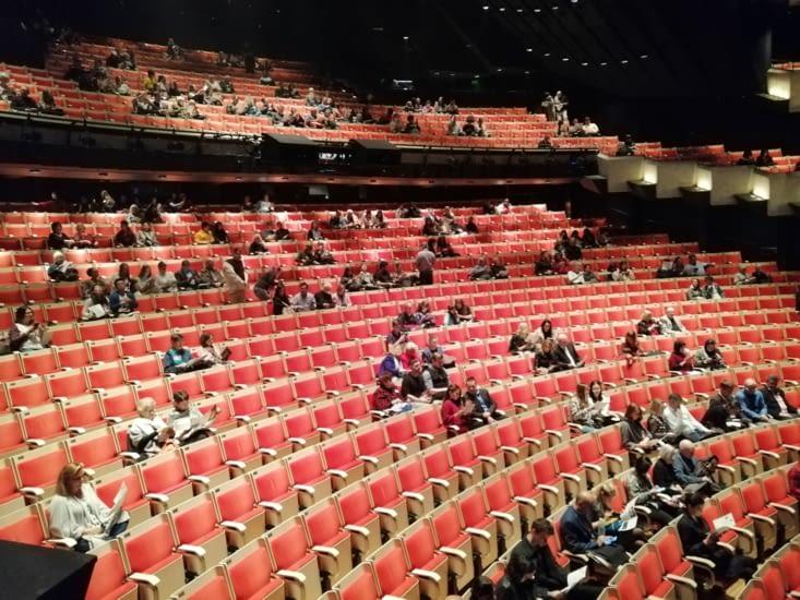 La salle se remplit pour Puccini.