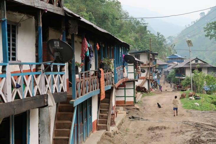 Sinwa, permier village où nous passons la nuit