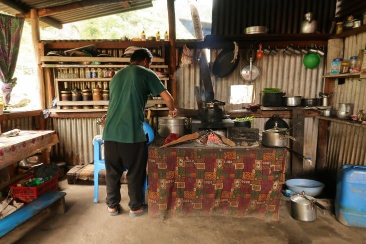 Notre hôte et cuisinier à Japantar