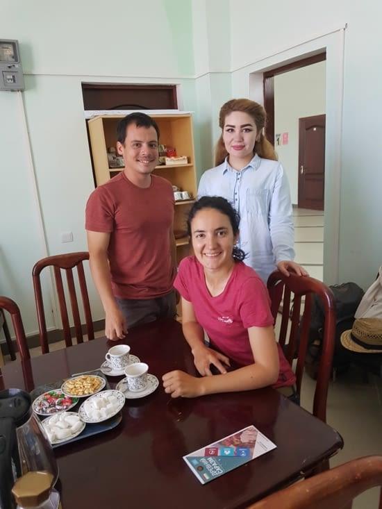 A l'office du tourisme avec Roza