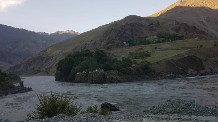 Les quelques mètres qui nous séparent de l'Afghanistan