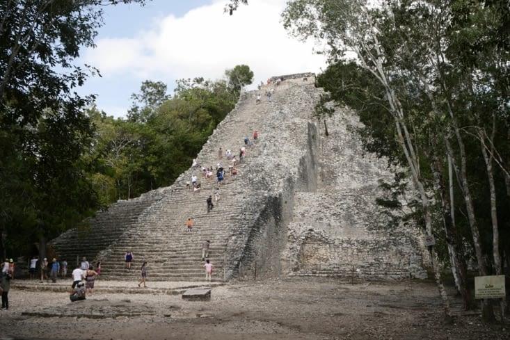 La pyramide / Pyramid