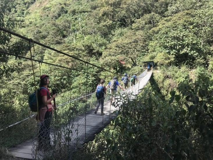 Pont suspendu / Suspended bridge