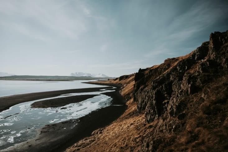 La côte qui borde le Hvítserkur