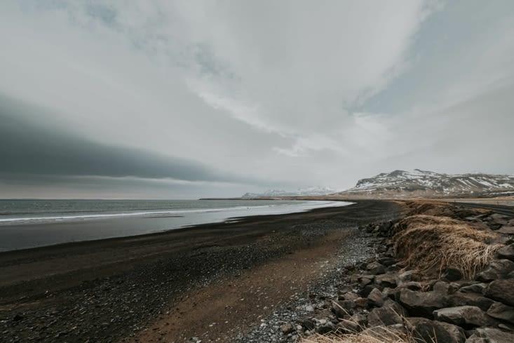 Plage proche de Ólasvík
