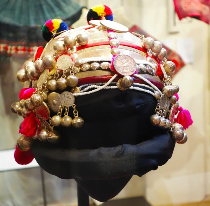 Chapeau des femmes de l'ethnie des Akha Pouly Nyai / Hat of women of Akha Pouly Nyai ethnic group