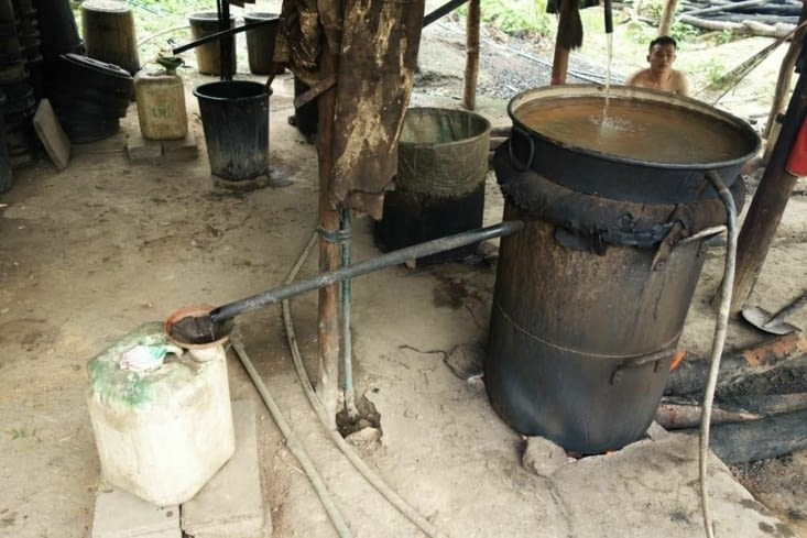 "Distillation du ""Lao Lao"" / Distillation of ""Lao Lao"""