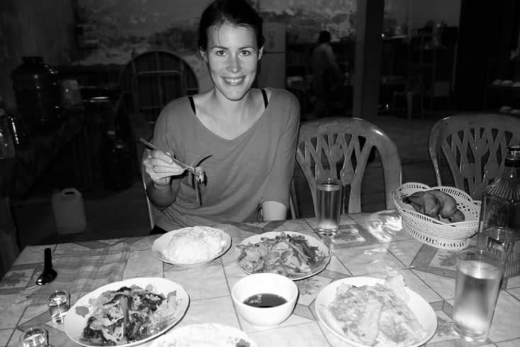Dîner (riz, bambou, omelette, légumes feuilles)/ Dinner (rice, bamboo, omelet, vegetables)