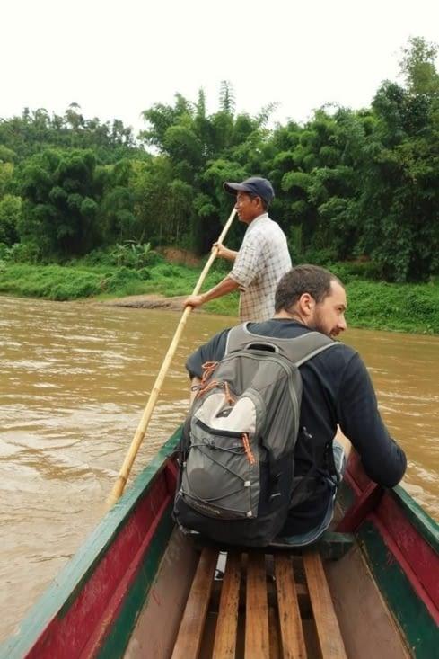 Traversée de la rivière / Crossing the river