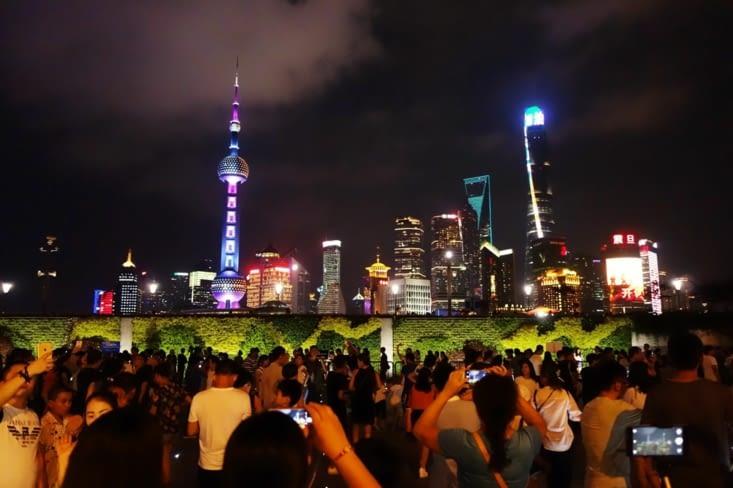 Vue sur Pudong de nuit / Night view of Pudong