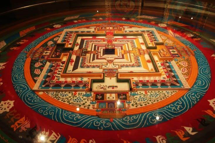 Mandala de sable (photo prise dans un musée à Xining) / Sand mandala (picture take in a museum at Xining)