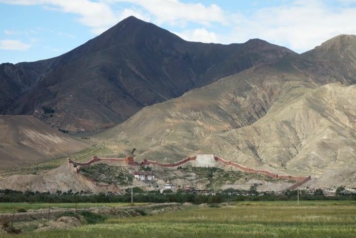 """La """"grande muraille du Tibet"""" / The """"Great Wall of Tibet"""""""
