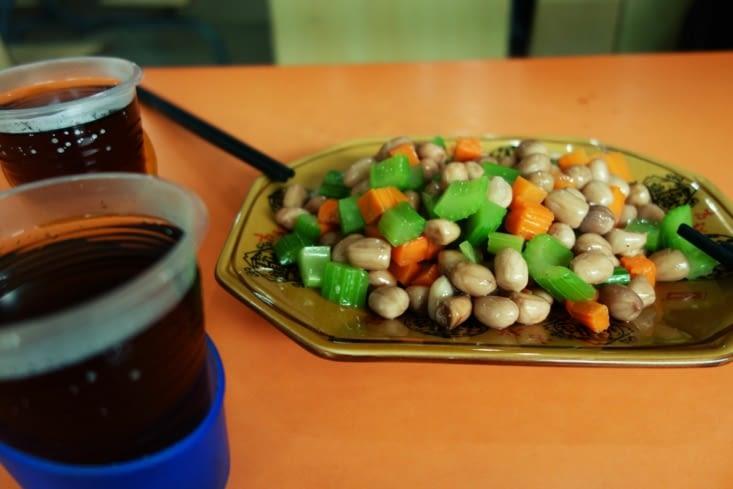 Cacahuètes fraïches et céleri / Peanut and celery