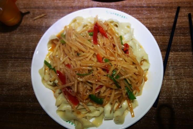 Nouilles + pommes de terre crues! / Noodles + raw potatoes!