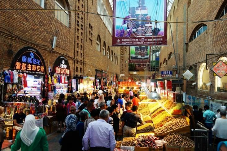 Dans le bazar / In the bazaar