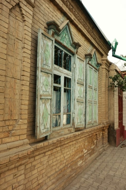 Dans les rues de Yining / In the streets of Yining