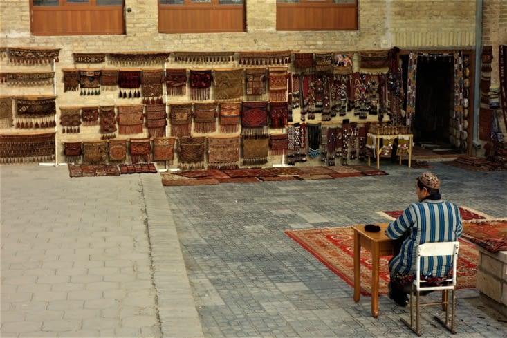 Ventes d'objets artisanaux / Selling handicrafts