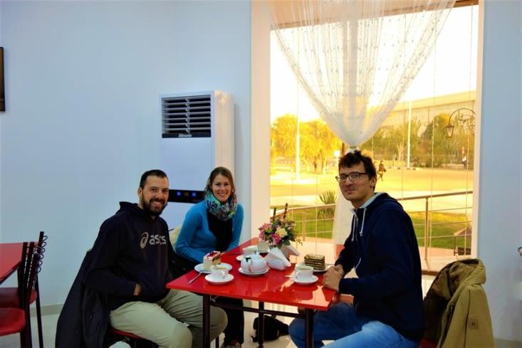 Pause goûter avec Roma / Snack with Roma
