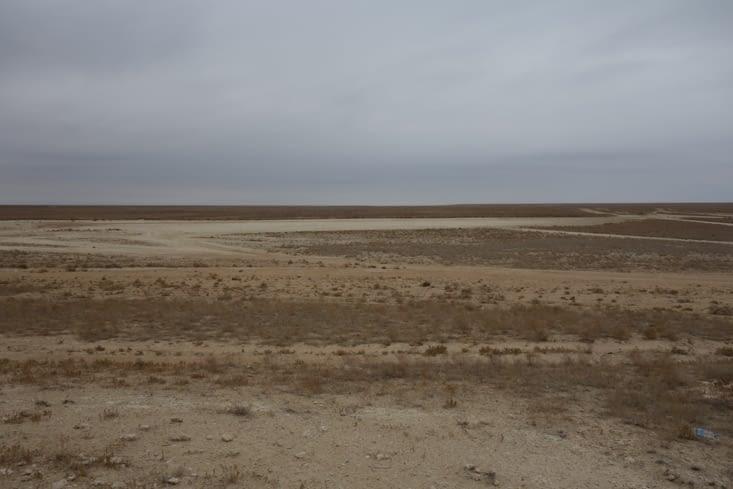 La zone est très aride / Very dry area