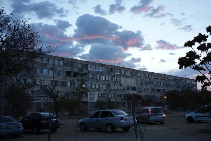 Au petit matin à Aktau / Early morning in Aktau