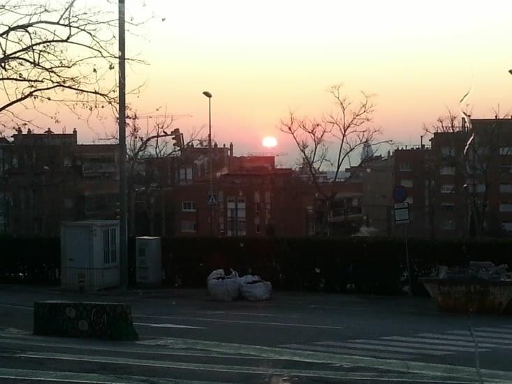On s'est levés très tôt, pour arriver aux aurores sur le parking du Parc Güell