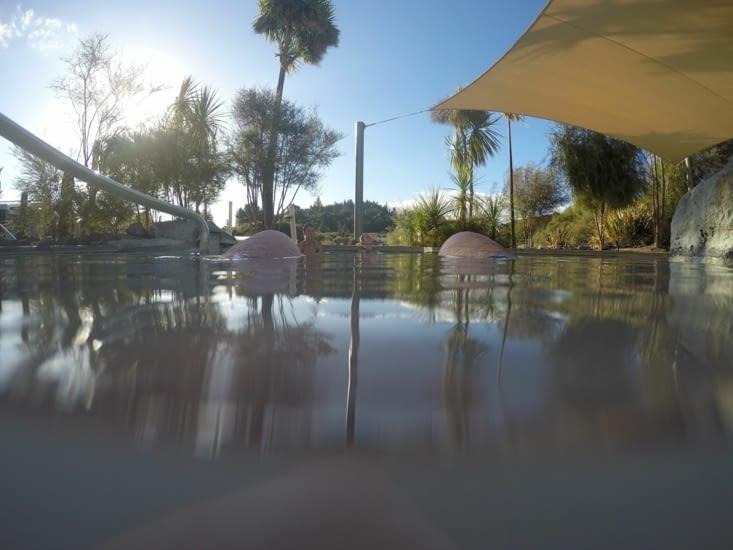 La piscine d'eau chaude sulfurisée